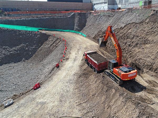 Flesan Demoliciones - Corte y demolición fundaciones Colina