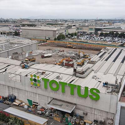 Demolición Tienda Centro Comercial Maipú