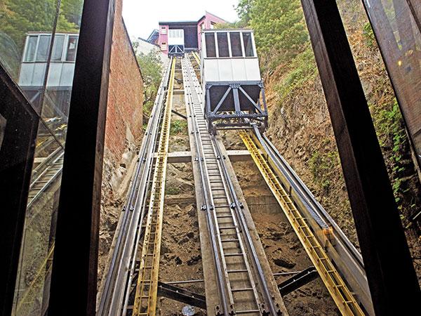 Restauraciones en Funicular 4